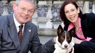 Martin Clunes with Ellen Stevens and Penny